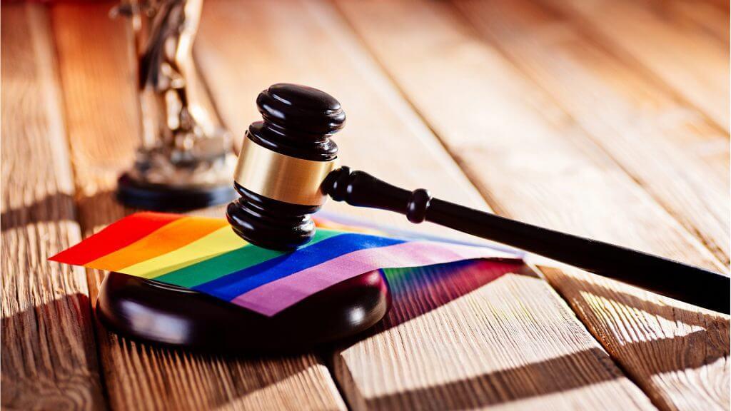 In den letzten Jahren wurden wichtige rechtliche Schritte in Richtung der Geschlechterneutralität unternommen.