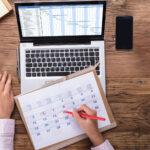 Personalplanung: Wie berechnet man die Jahresarbeitszeit?