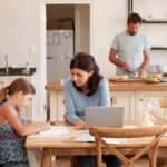 Berufstätige Eltern am Limit