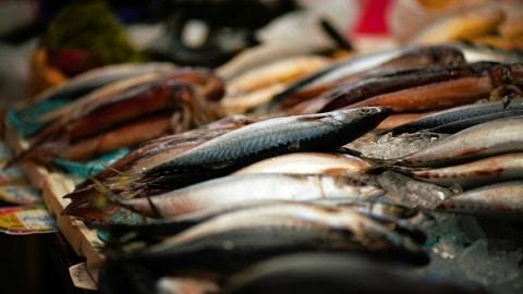 Hamburger Fischmarkt: Alltag der Marktschreier und Fischverkäufer