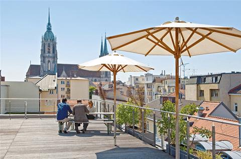 Traumjob: arbeiten im Work Loft mit großer Dachterrasse