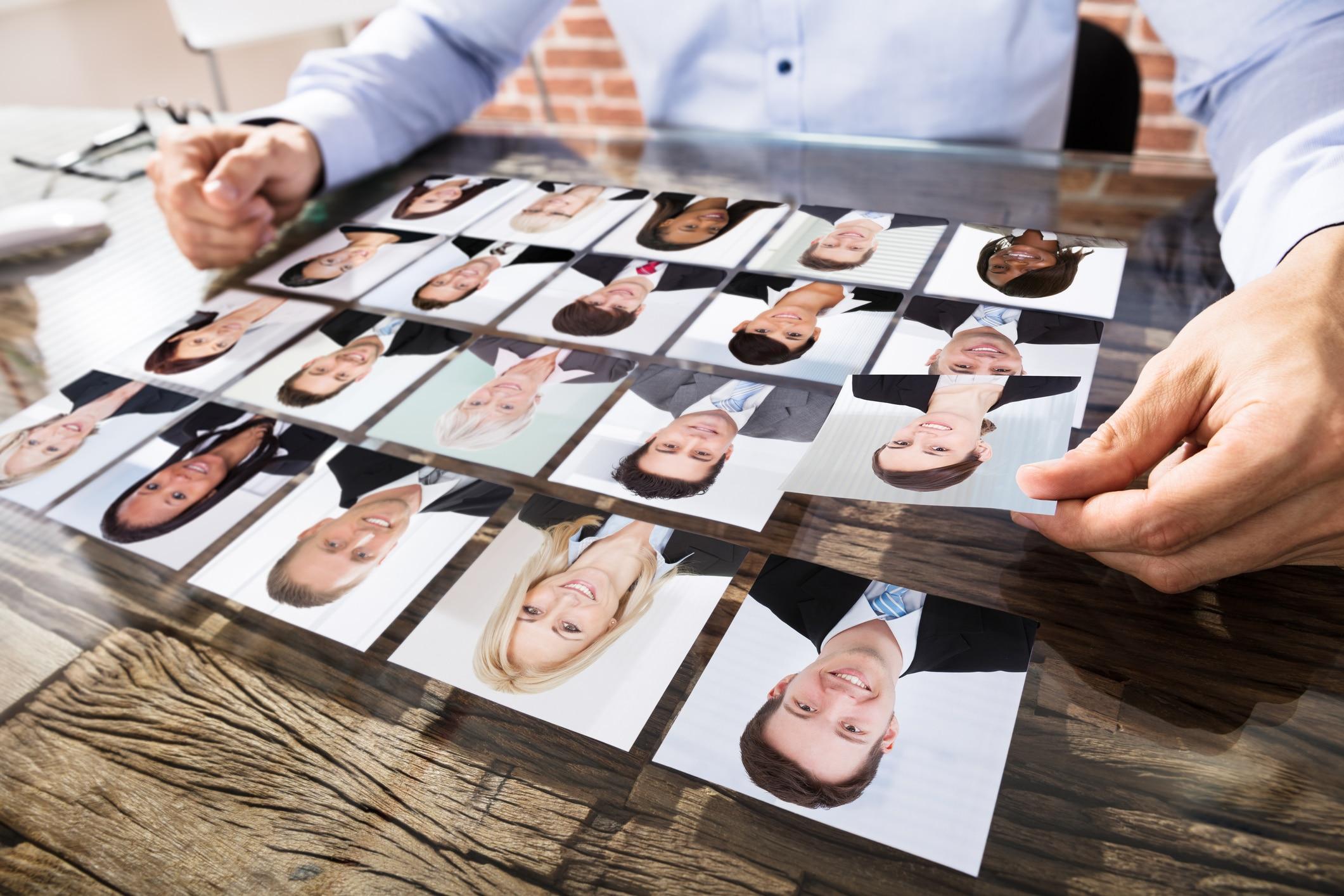 Das Bewerbungsfoto vermittelt dem Betrachter den ersten visuellen Eindruck