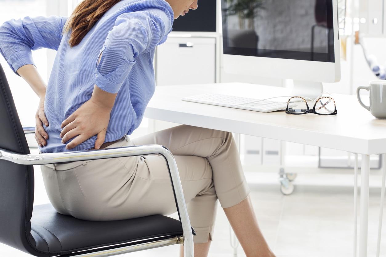 Rückenschmerzen im Büro | Karriere und Bewerbungstipps