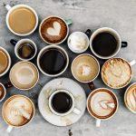 Kaffee und Arbeit passen gut zusammen