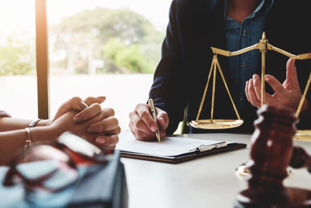 Liebe im Büro und das Arbeitsrecht