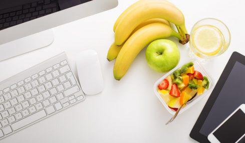 Gesund im Büro - hilft bereits Obst?