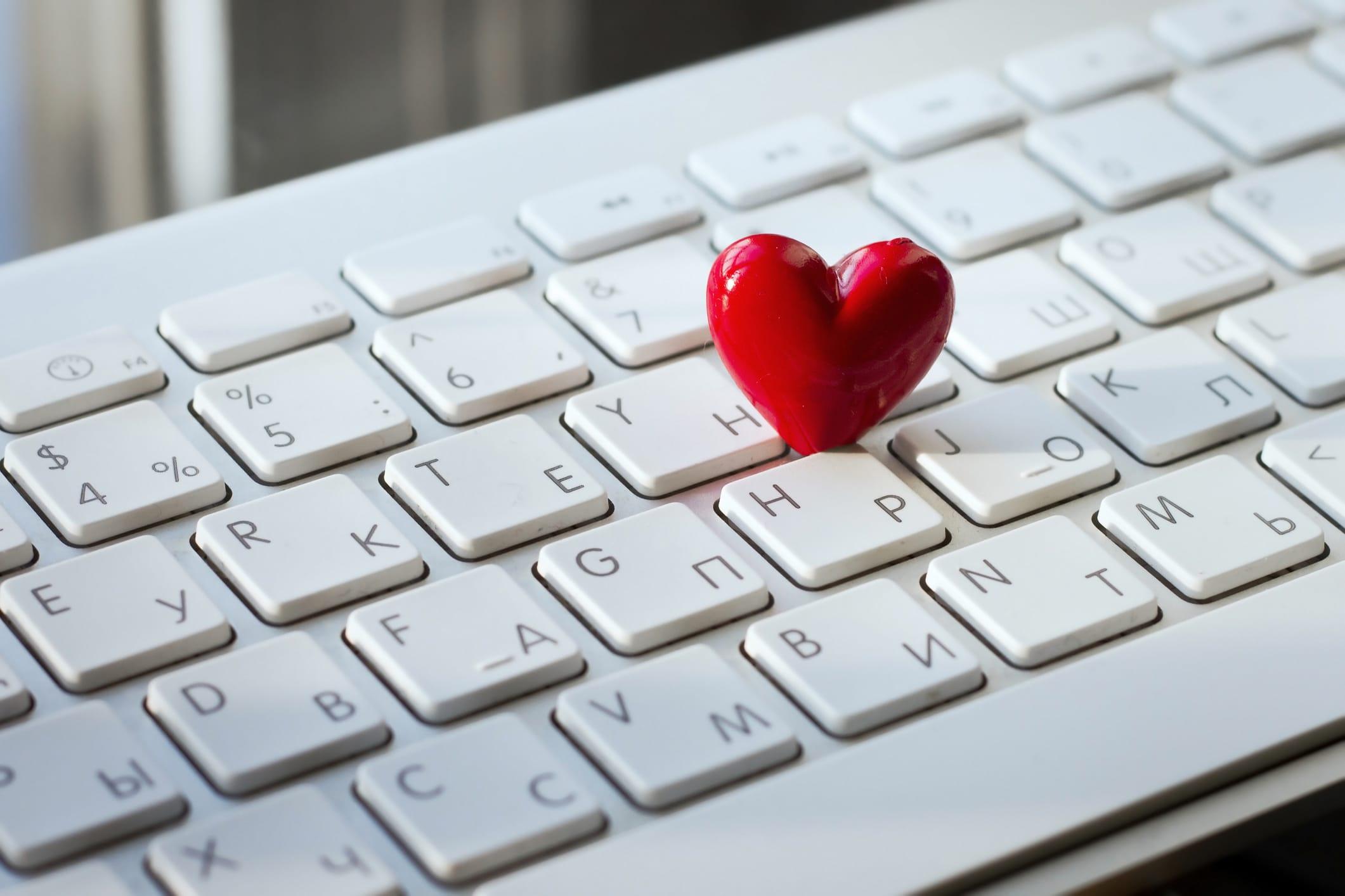 Liebe Im Büro Unterschiedliche Szenarien Und Unsere Tipps Dafür Careeasy Dein Karrieremagazin
