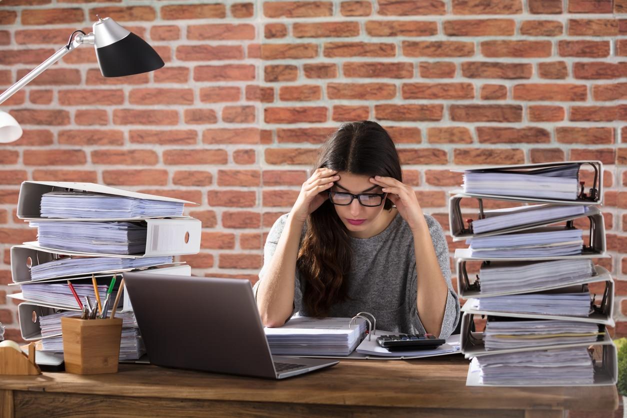 Stress im Job kann Männer oder Frauen treffen