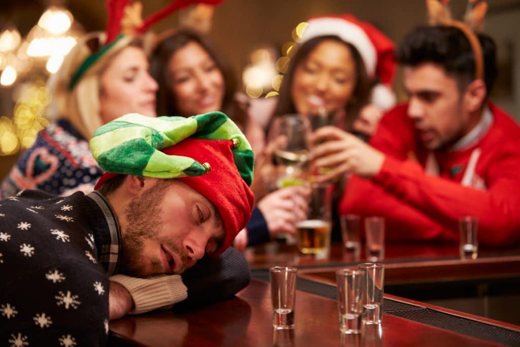 Weihnachtsfeier zu viel Alkohol