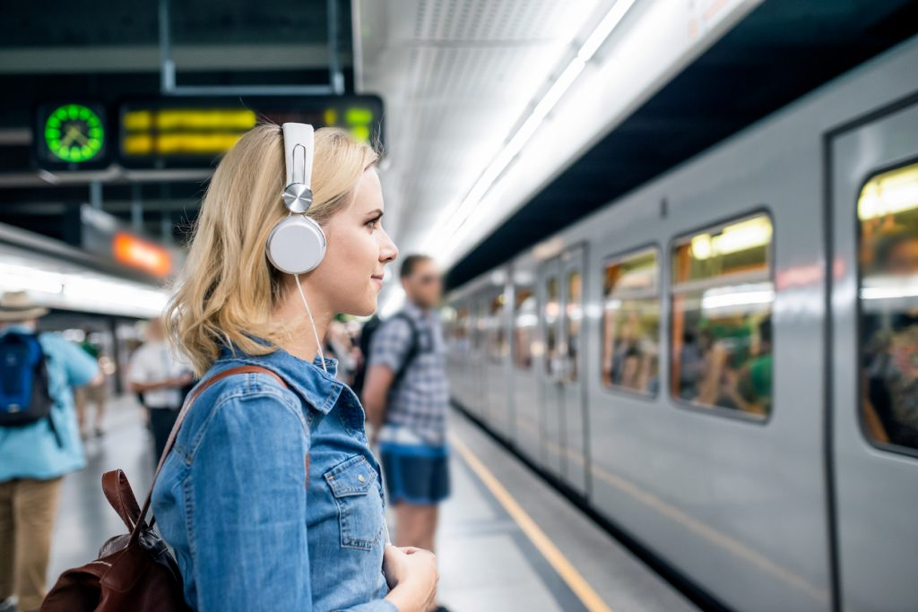Arbeitsweg Musik hören