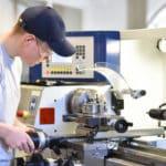 Industriemechaniker/in an Drehmaschine