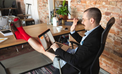 Home Office Outfit - stellenanzeigen.de - careeasy Karriemagazin - Gelassenheit